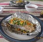 А мы готовим стейк из семги с овощами на мангале!