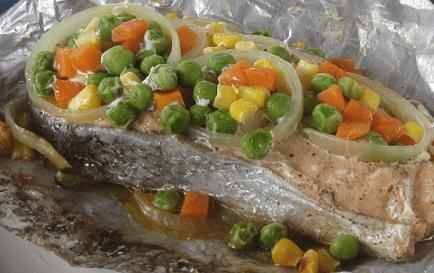 стейк из семги с овощами