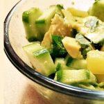 Салат с куриным филе, ананасами и огурцом