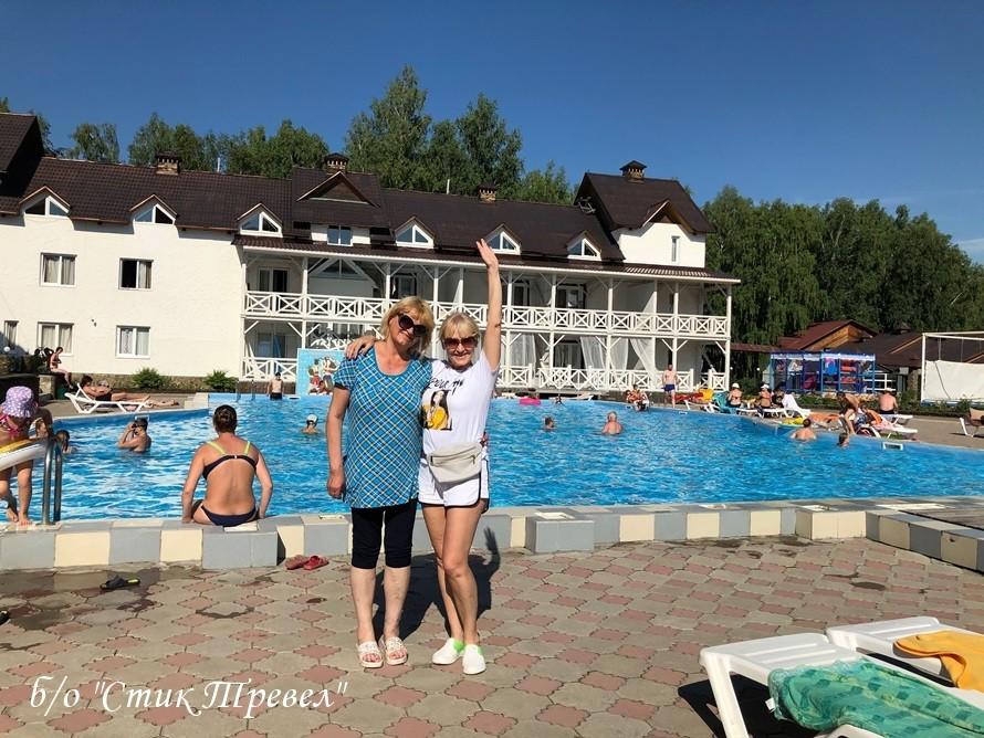 База отдыха в Горном Алтае с бассейном Стик Тревел