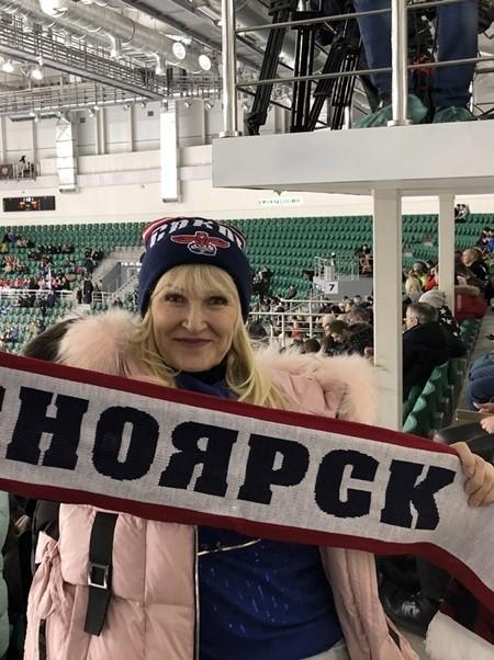 в Красноярске на хоккее